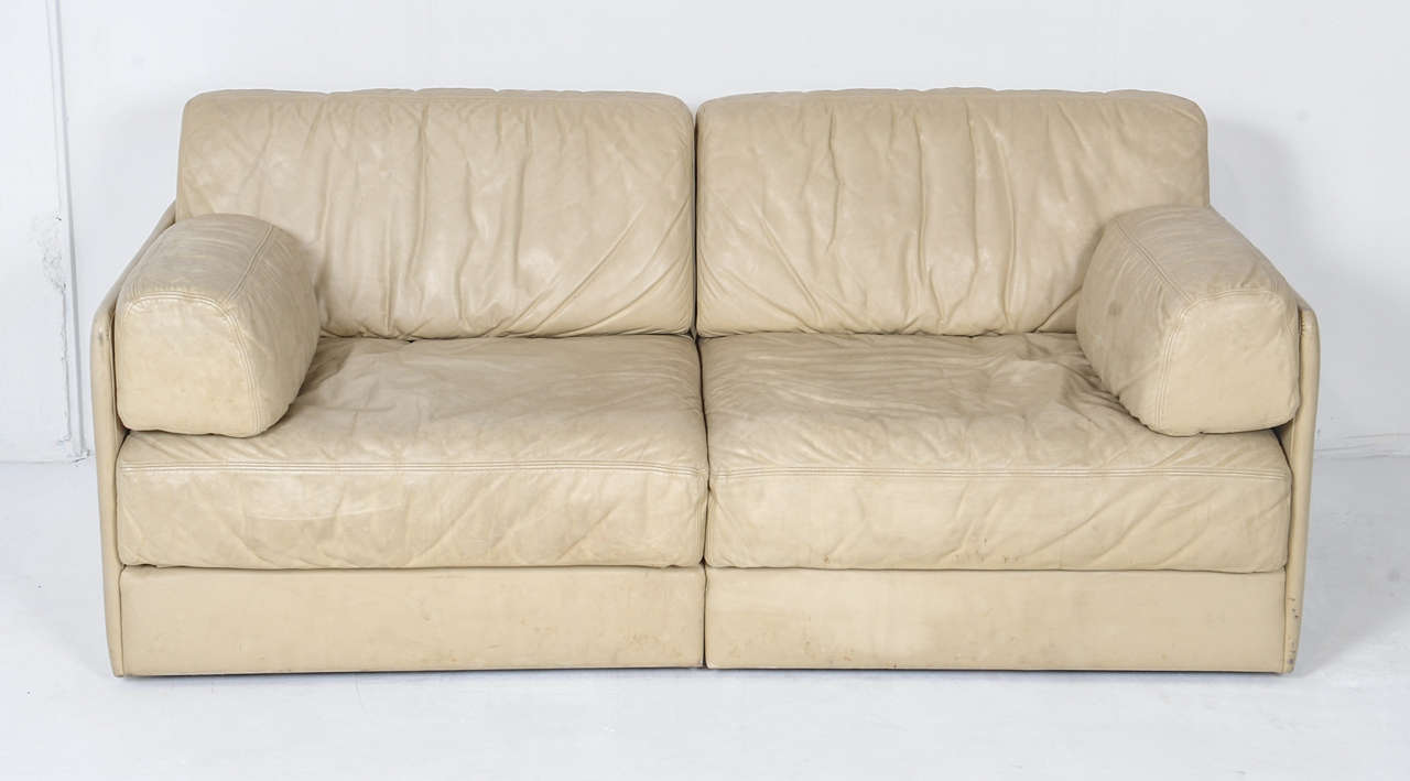 Rare Off White De Sede Ds 76 Sectional Two Seat Sofa Bed