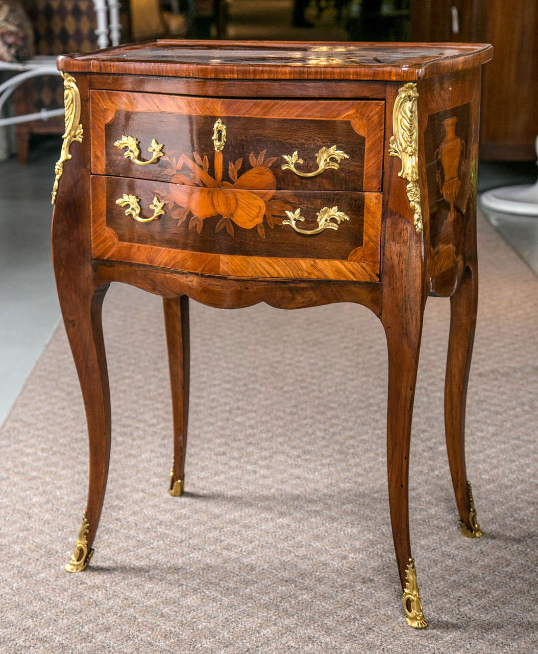 french marquetry petite commode at 1stdibs. Black Bedroom Furniture Sets. Home Design Ideas
