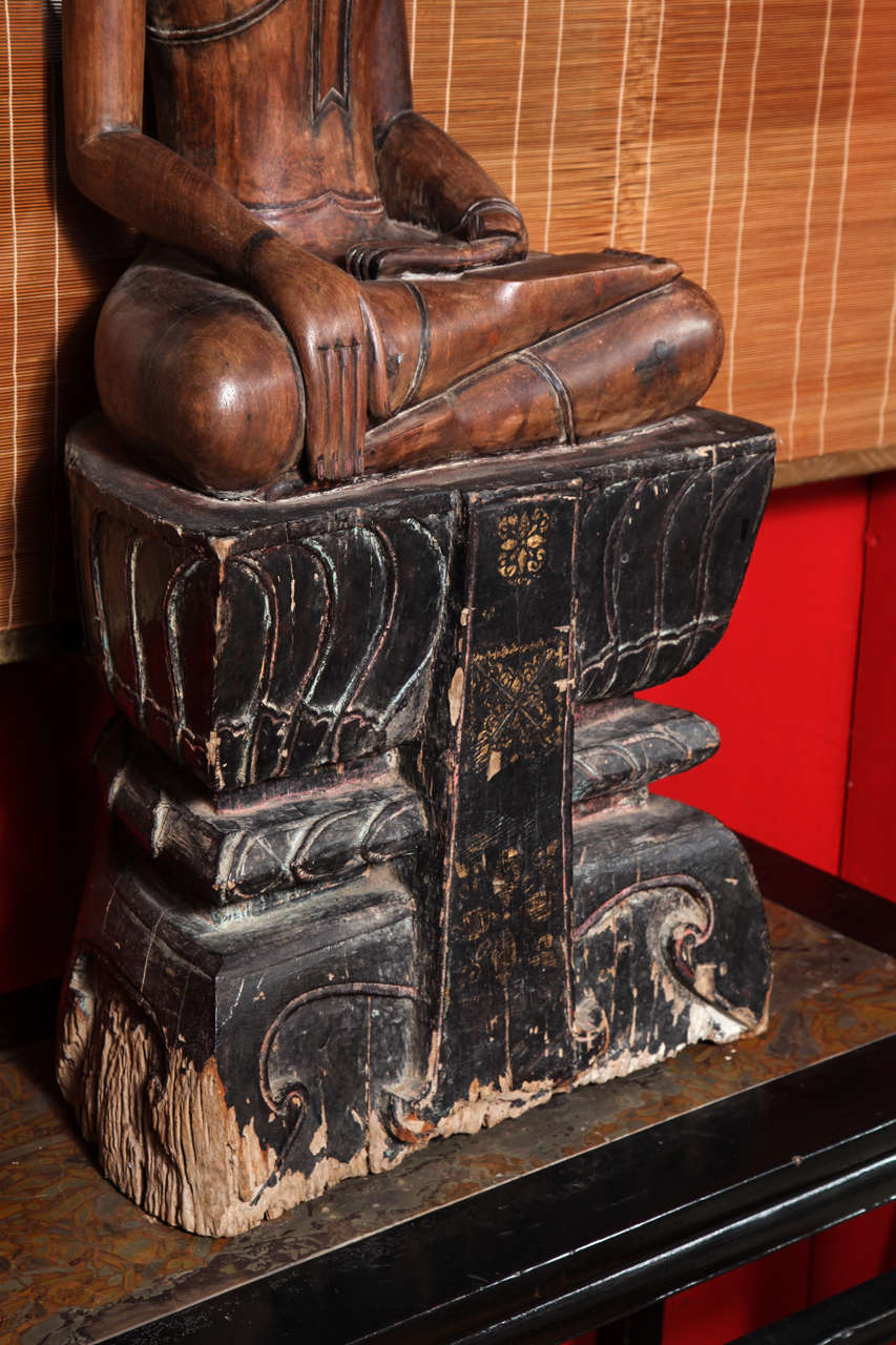 Antique Painted Teak Seated Buddha from Thailand, 17th-18th Century For Sale 1