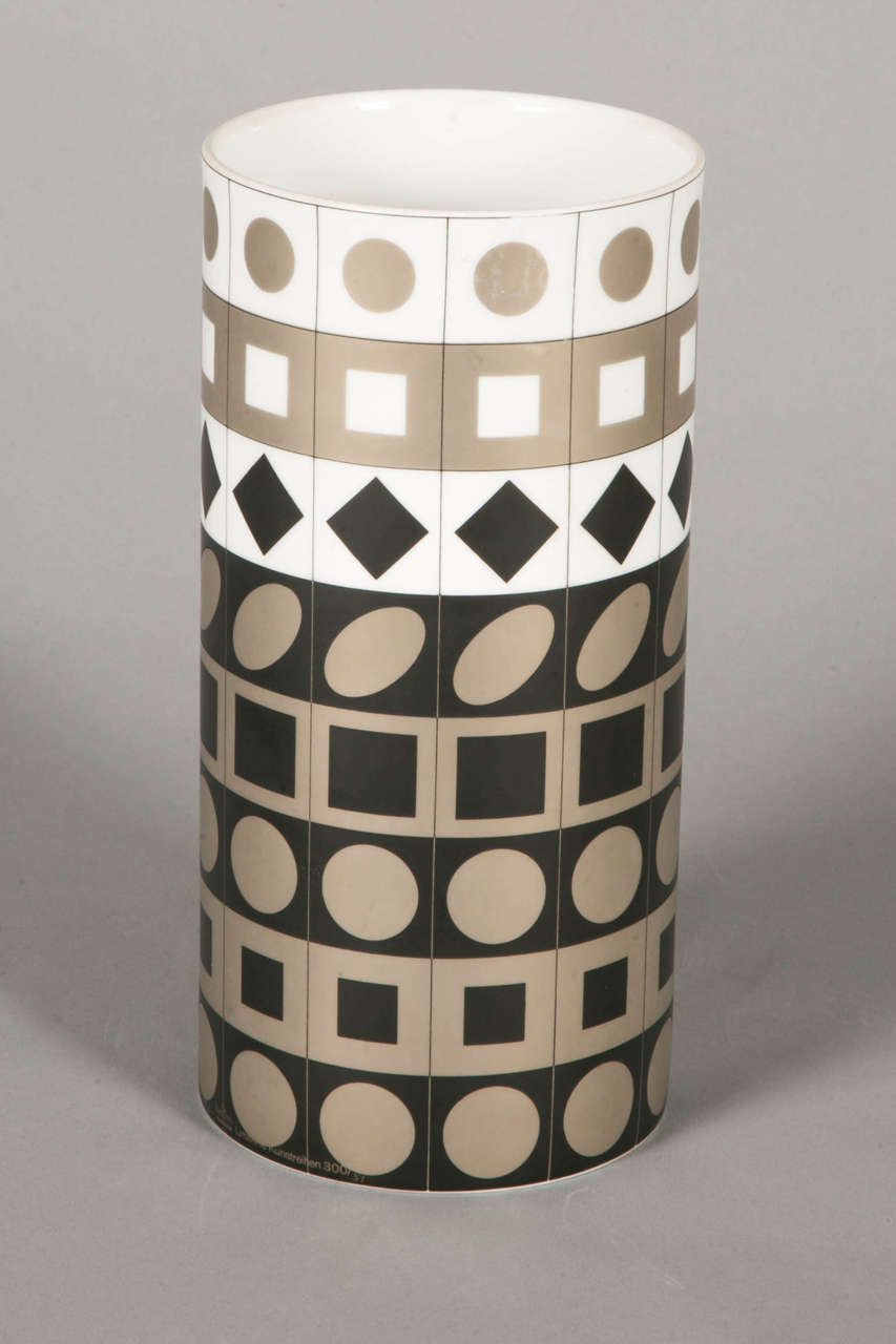 Porcelain cylinder vase by Vasarely for Rosenthal, Studio linie, circa 1970.