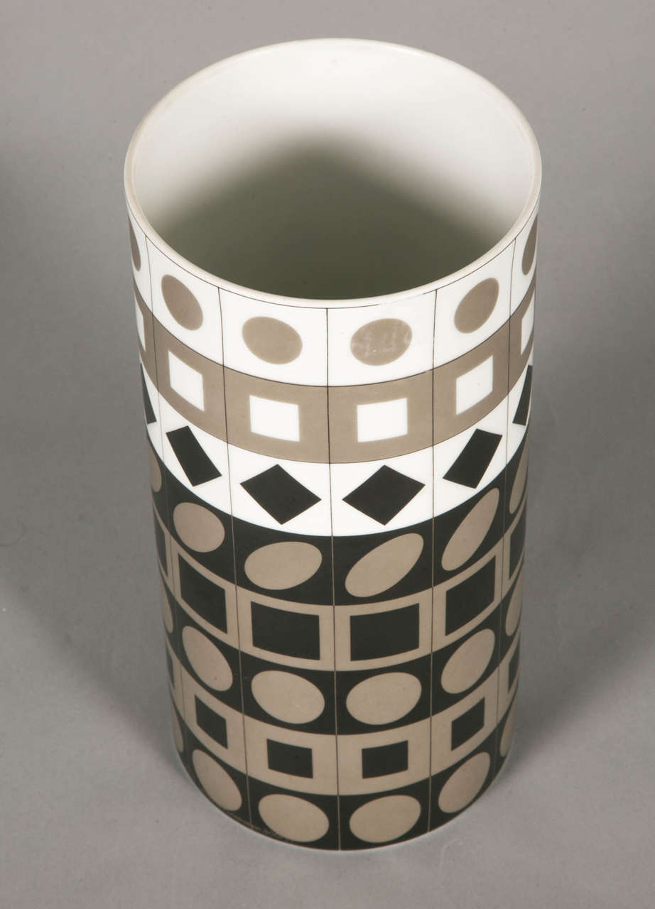 German Porcelain Vase by Vasarely for Rosenthal, 1970 For Sale