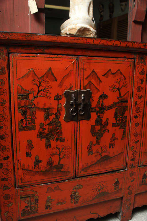Wood Chinese 19th Century Red Lacquered Sideboard With Gold Chinoiserie Patterns  For Sale