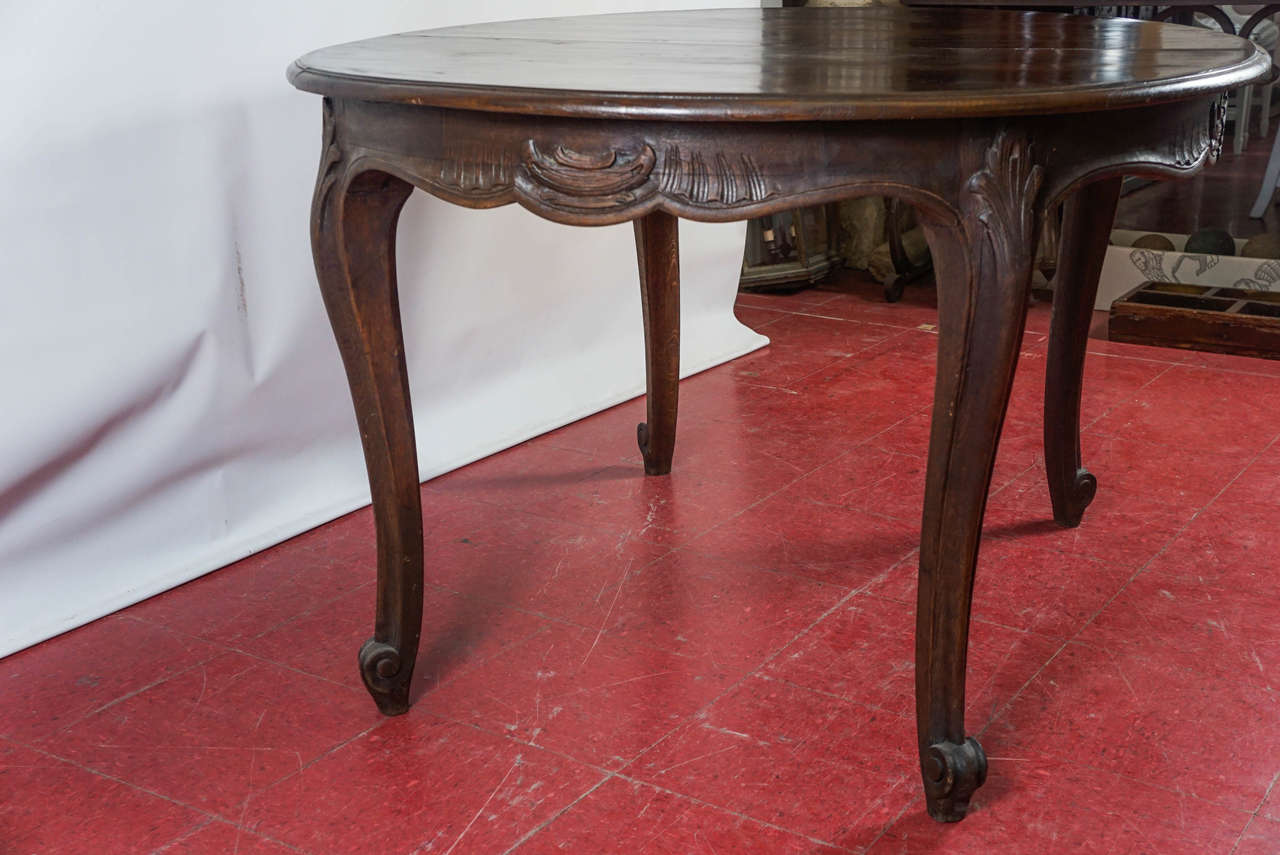 19th Century Louis XV Style Oval Dining Table For Sale