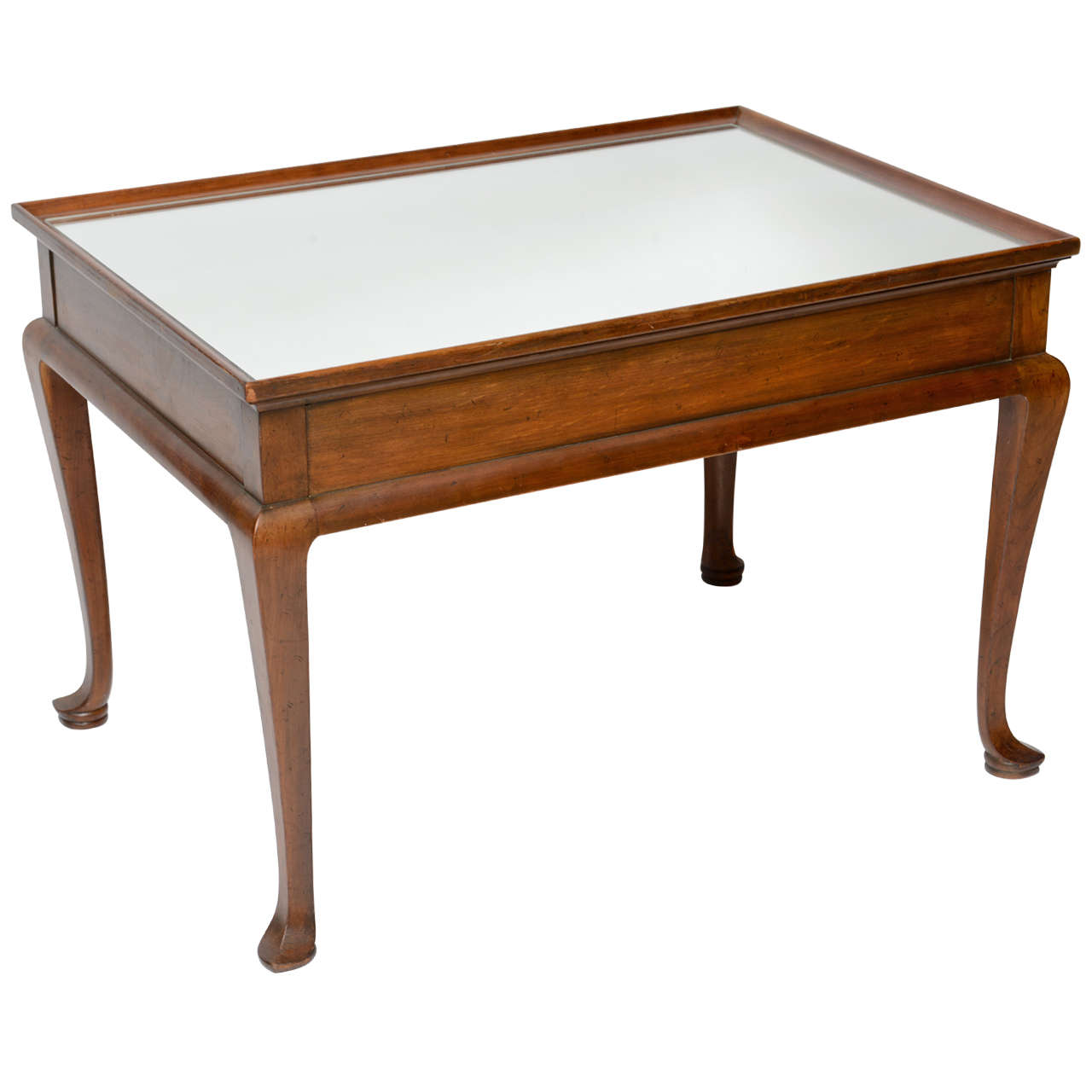 Merveilleux Queen Anne Style Coffee Table By Baker For Sale