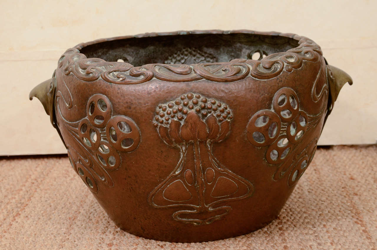 Rare German Art Nouveau Copper Planter In Good Condition For Sale In New York, NY