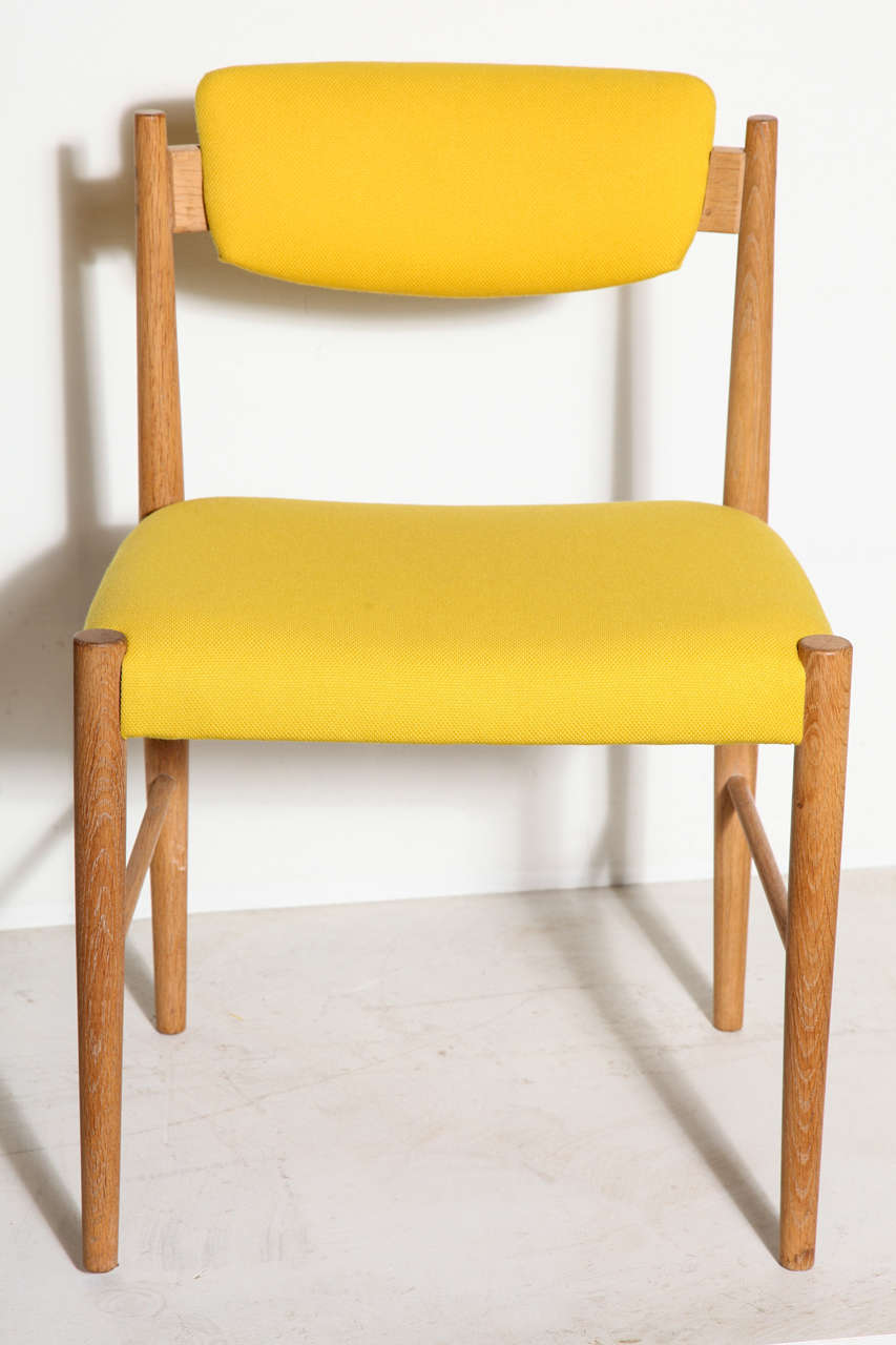 Danish vintage oak dining chairs at 1stdibs for Danish dining room chairs
