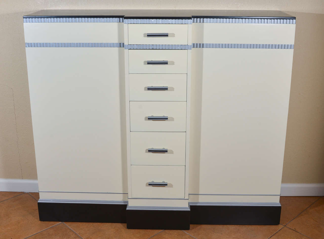 Lacquered Art Deco Machine Age Skyscraper Kittinger Console Chest, Matching Mirror, Mont For Sale