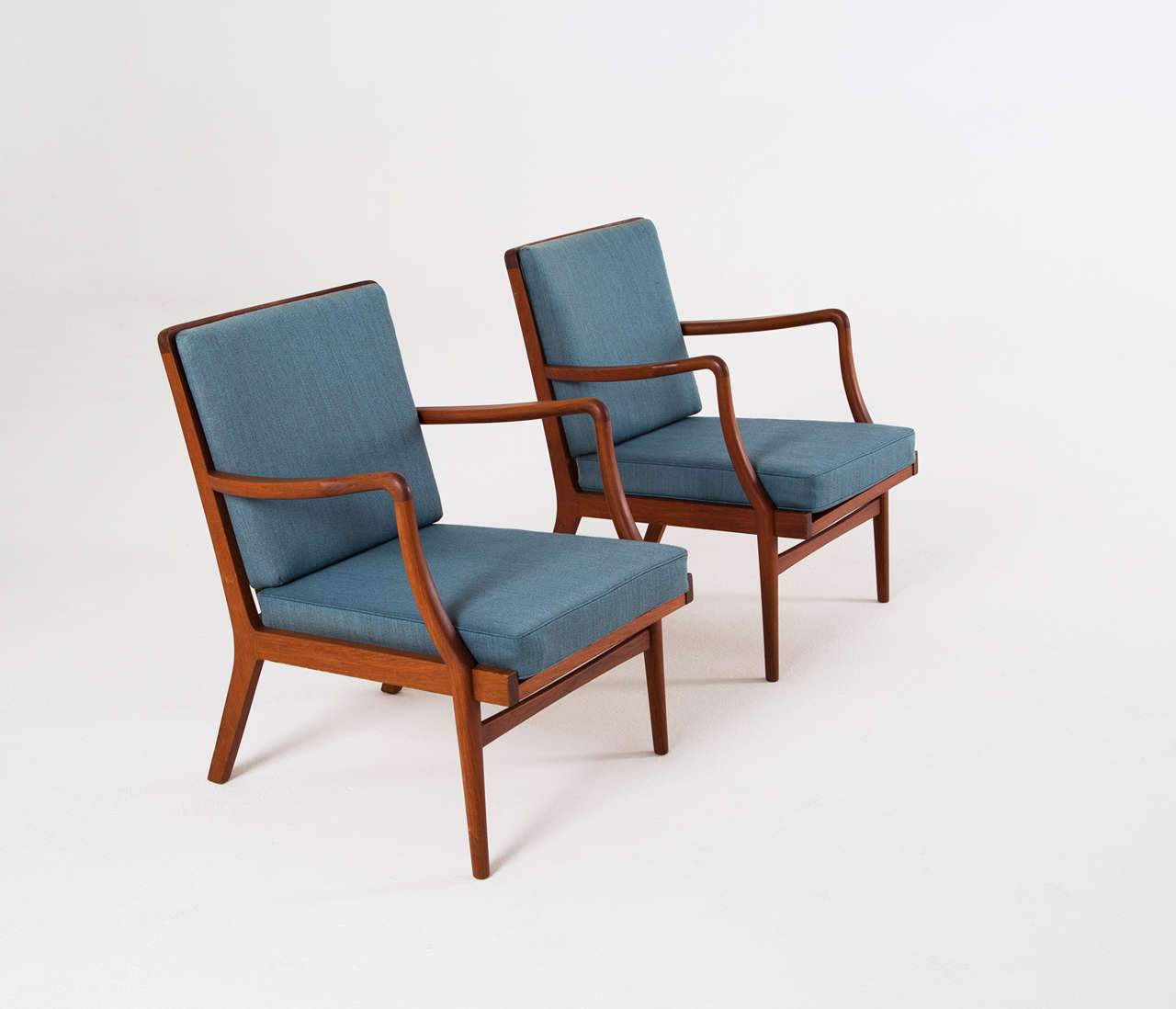Pair Of Solid Teak Lounge Chairs By Peder Christensen At 1stdibs