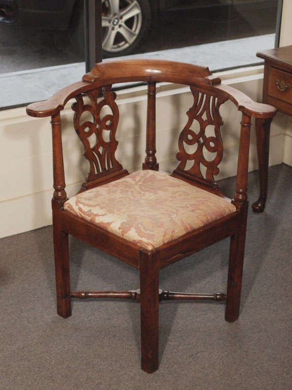 antique english carved walnut corner chair at 1stdibs