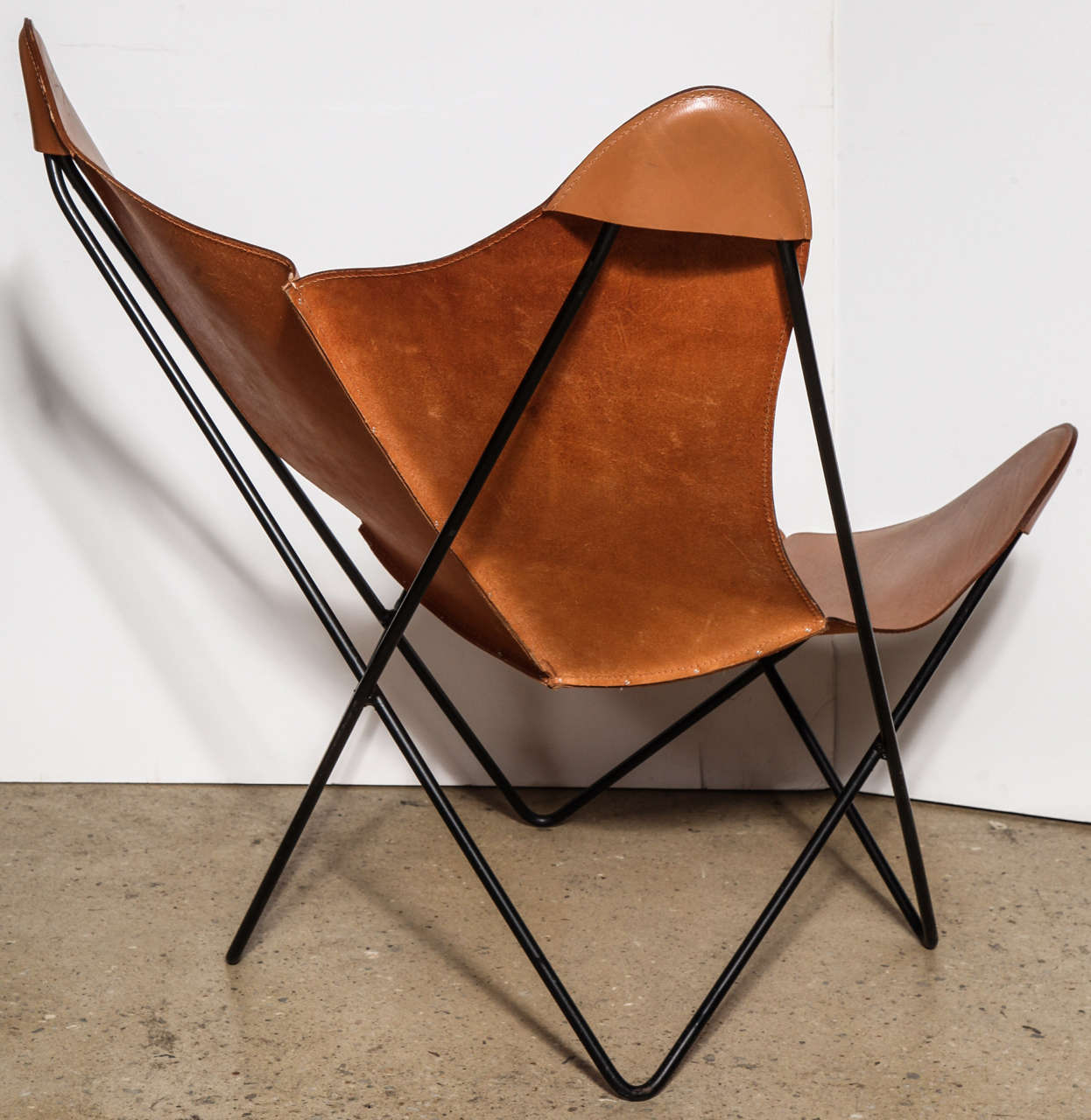 single Knoll style Hardoy Butterfly Chair In Excellent Condition In Bainbridge, NY