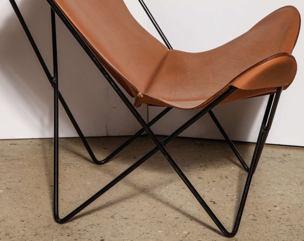 single Knoll style Hardoy Butterfly Chair 3
