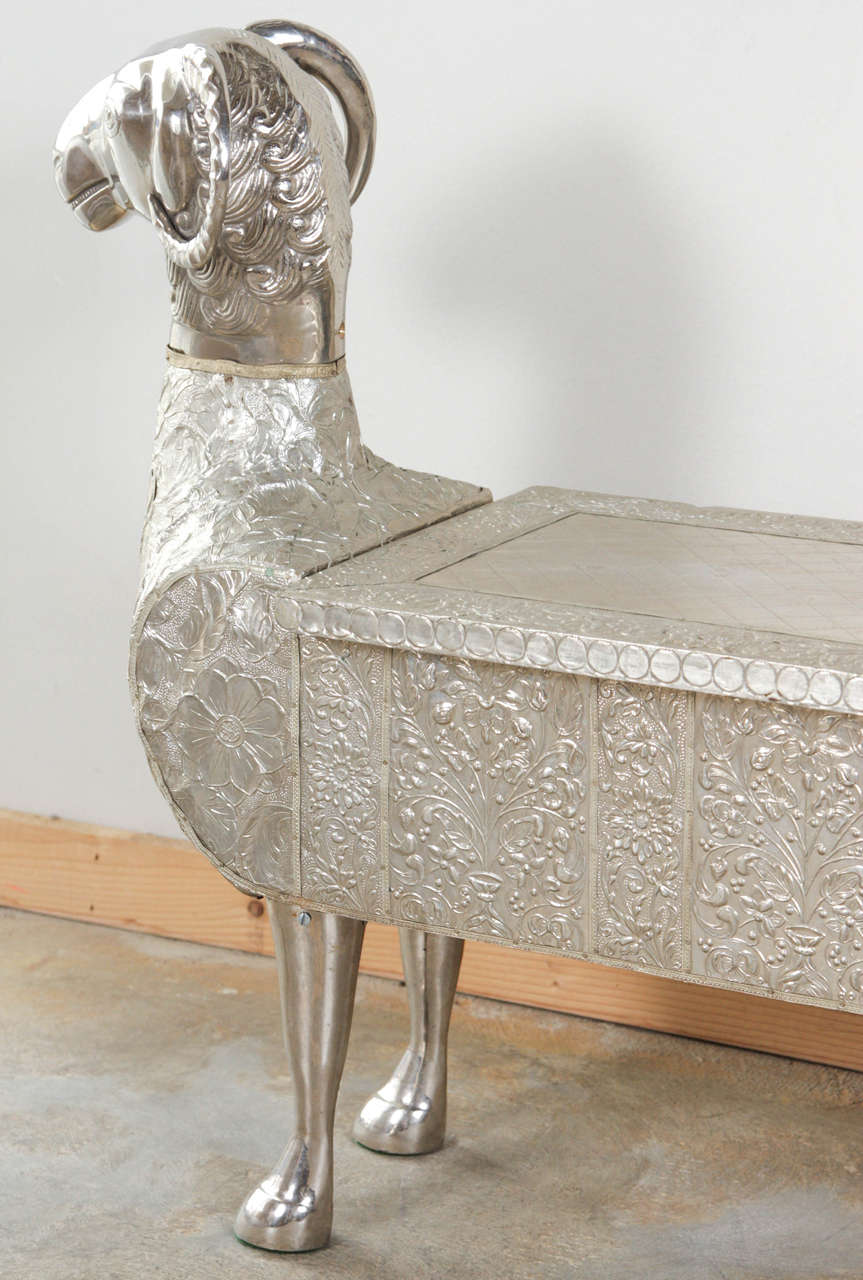 Two Headed Ram Indian Dowry Bench In Good Condition In Los Angeles, CA