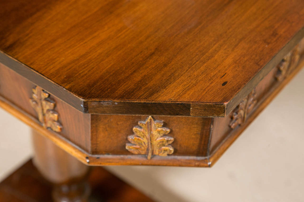 Pair of Neoclassical Style Detailed Carving Walnut Pedestal Console / End Tables In Good Condition For Sale In Stamford, CT