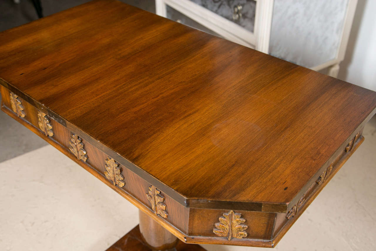 Mid-20th Century Pair of Neoclassical Style Detailed Carving Walnut Pedestal Console / End Tables For Sale