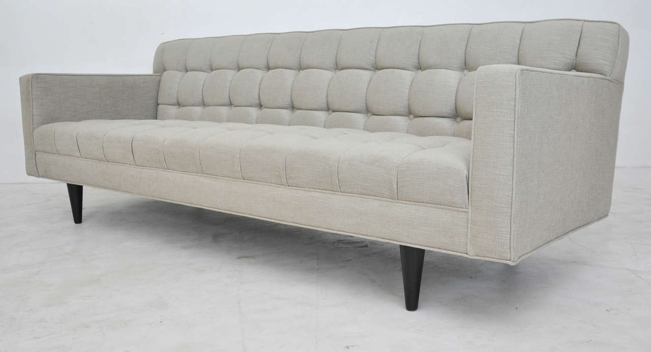 Dunbar Model 5136 Sofa by Edward Wormley In Excellent Condition For Sale In Chicago, IL