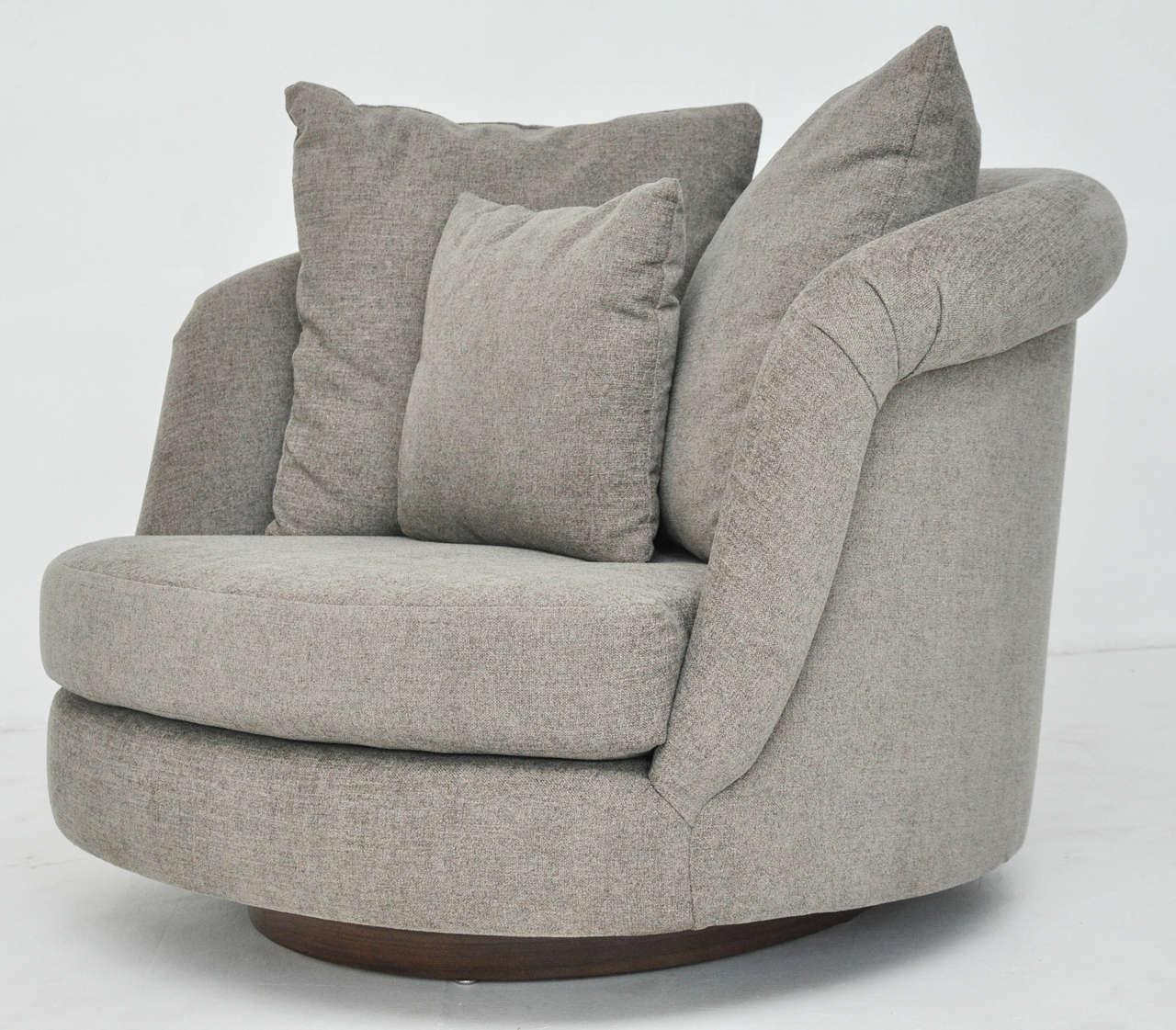 Pair of Large Milo Baughman Swivel Chairs 2