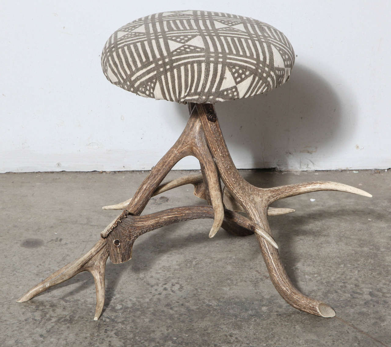 19th Century Antler Stool For Sale 1