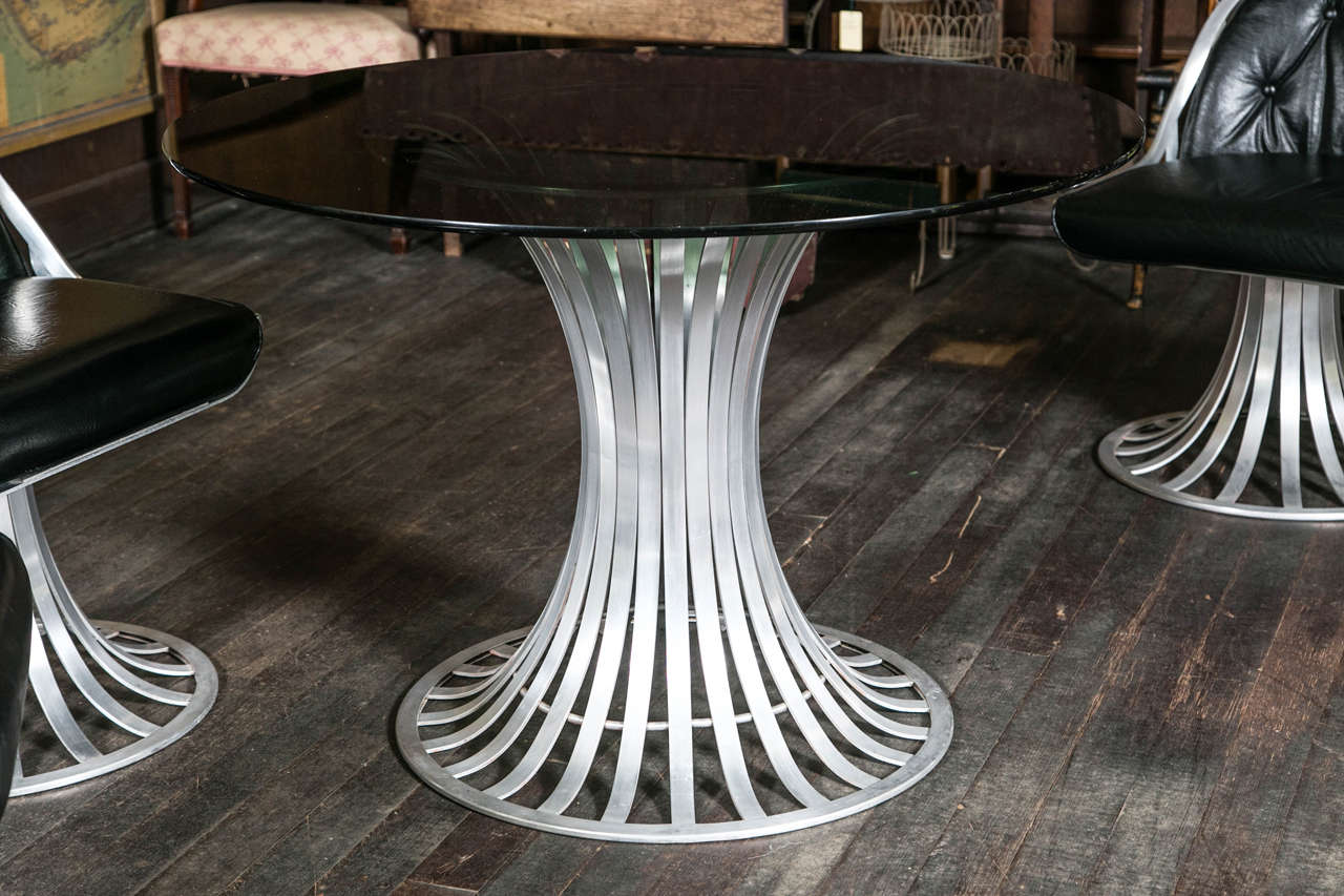 Russell Woodard Round Table and Four Chairs For Sale 2