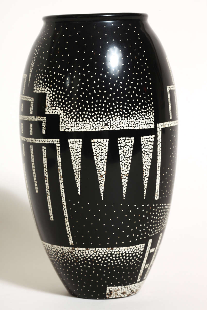 Jean Dunand French Art Deco Coquille d'Oeuf and Black Lacquered Vase 5