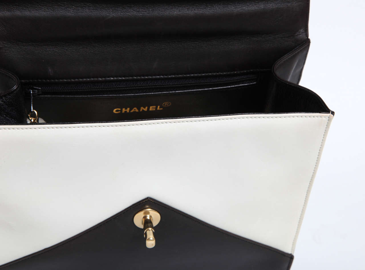 Vintage Chanel Black and White Handbag 6
