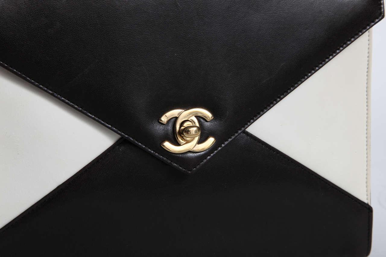 Vintage Chanel Black and White Handbag 7