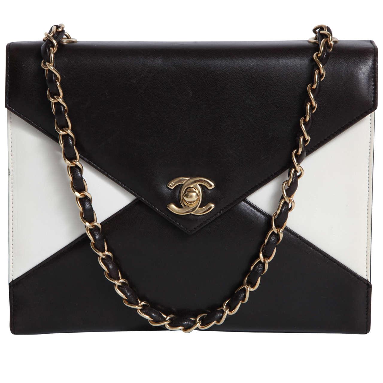 Vintage Chanel Black and White Handbag 1