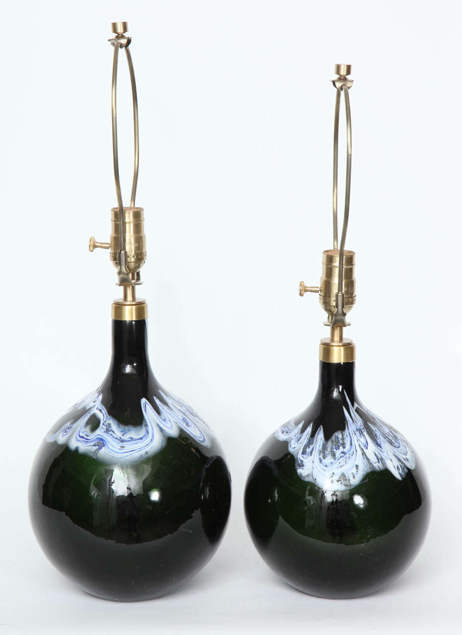 Pair of Black Emerald Art Glass Lamps by Michael Bang For Sale 3