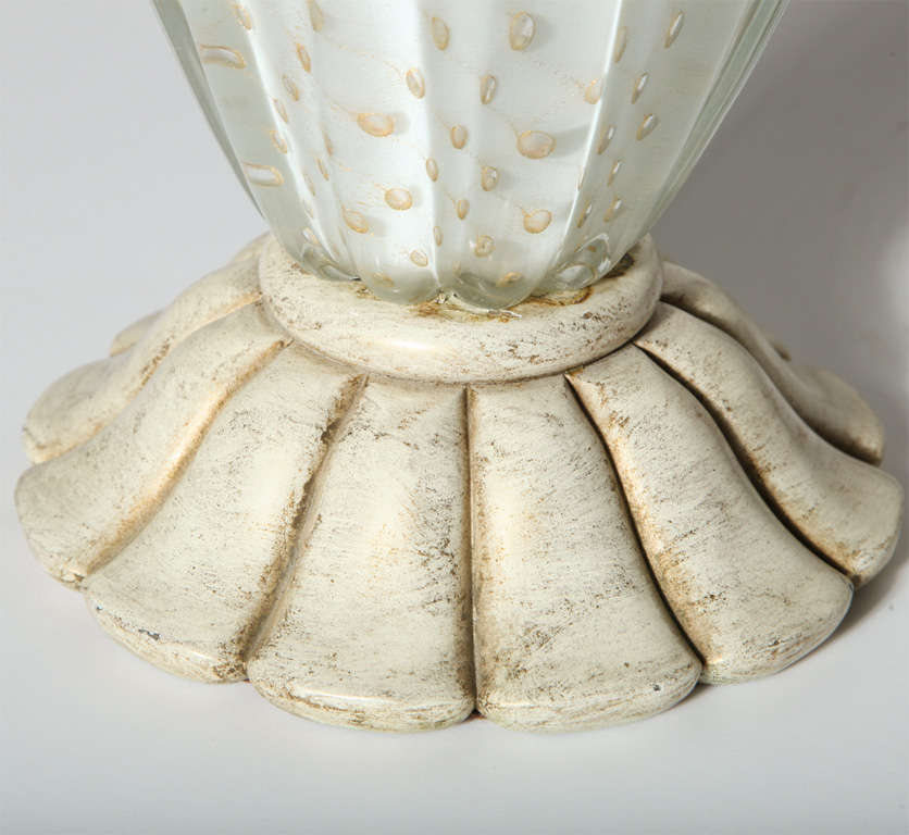 1950s Barovier e Toso Murano Glass Table Lamp in White with Gold inclusions In Good Condition For Sale In Bainbridge, NY