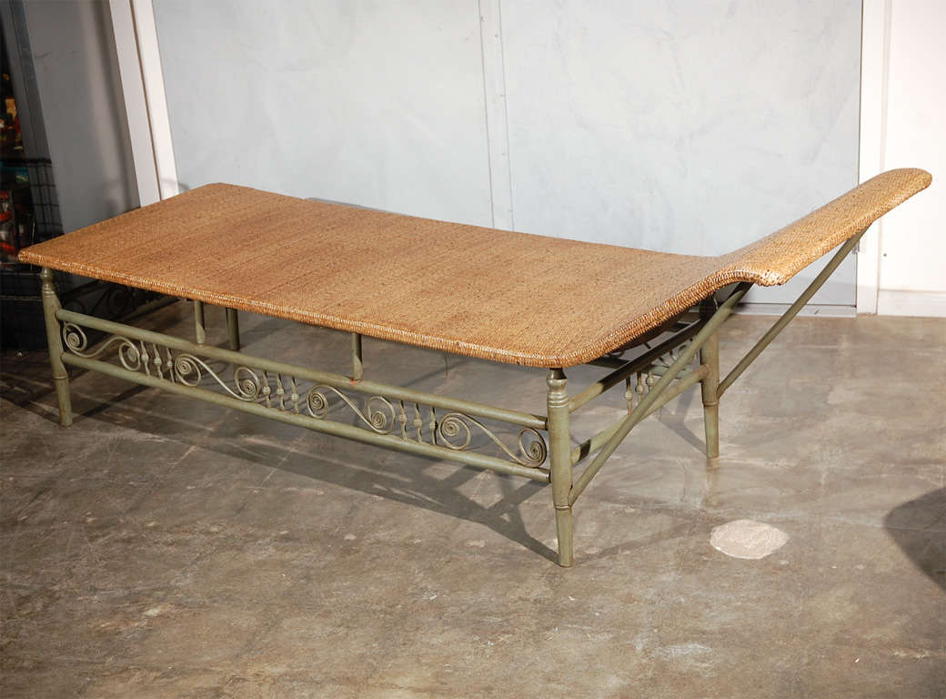 Antique heywood wakefield chaise longue for sale at 1stdibs for Antique chaise longue for sale