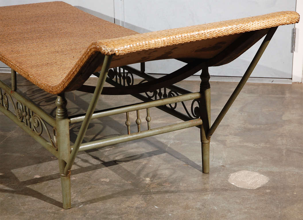 Antique heywood wakefield chaise longue at 1stdibs for Antique chaise longues