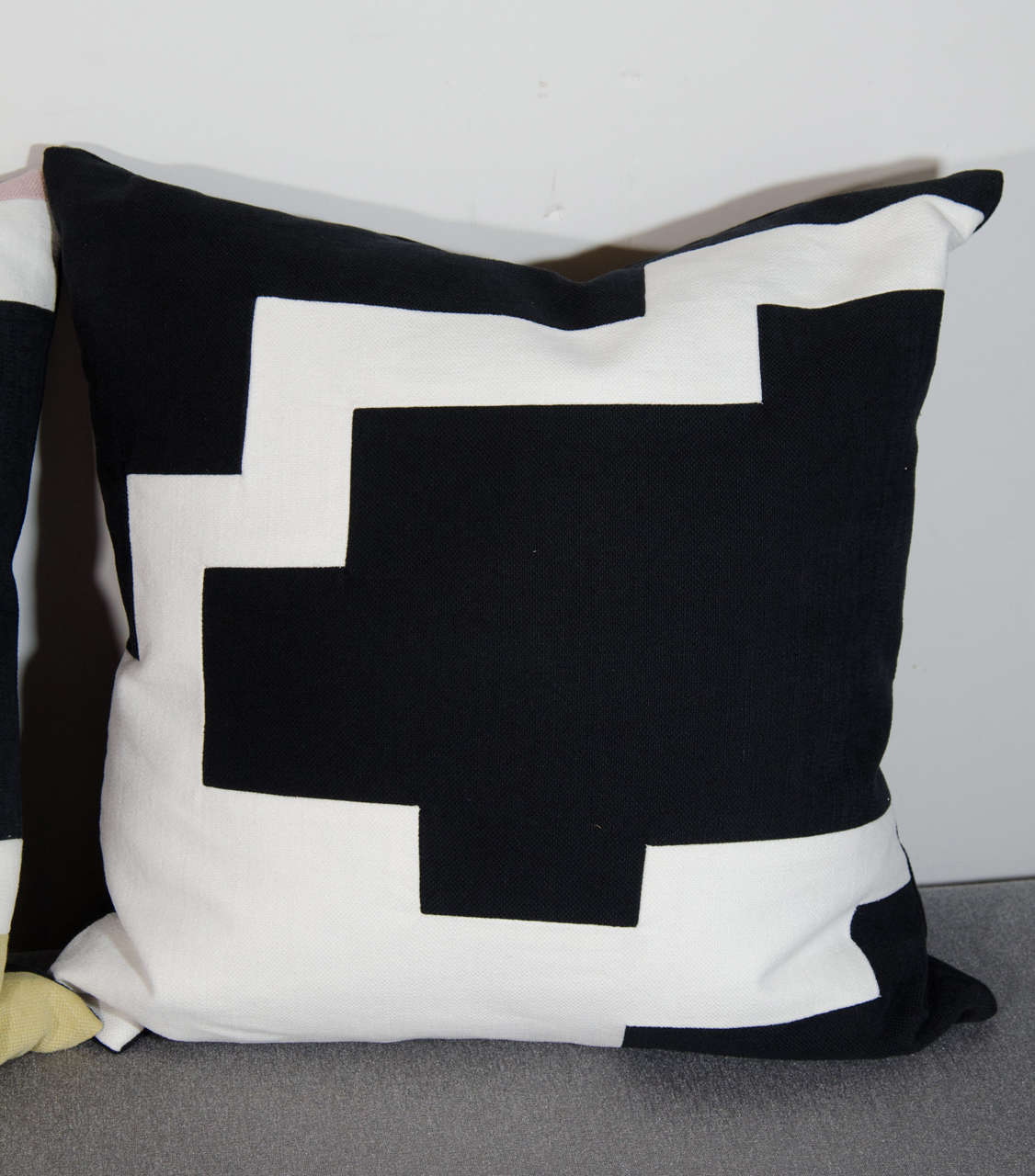 Architectural Italian Linen Throw Pillows by Arguello Casa In Excellent Condition For Sale In Stamford, CT