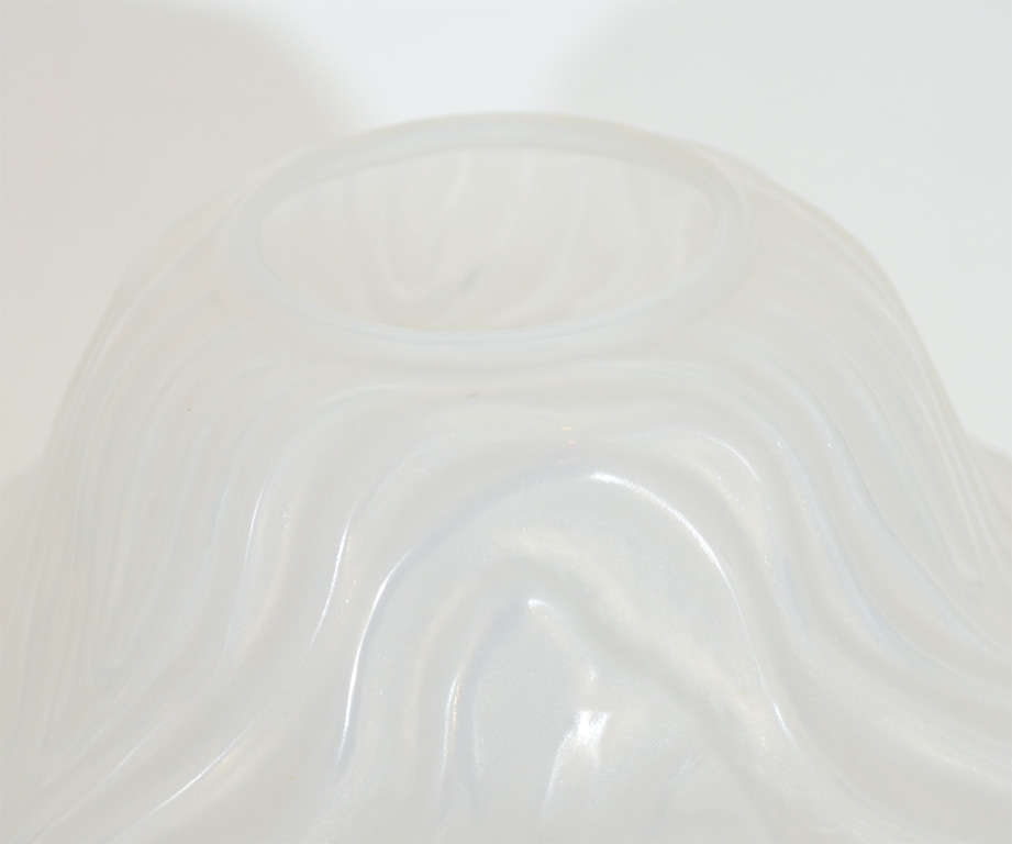 Gorgeous French Art Deco Frosted Glass Vase by Hunnebelle In Excellent Condition For Sale In New York, NY