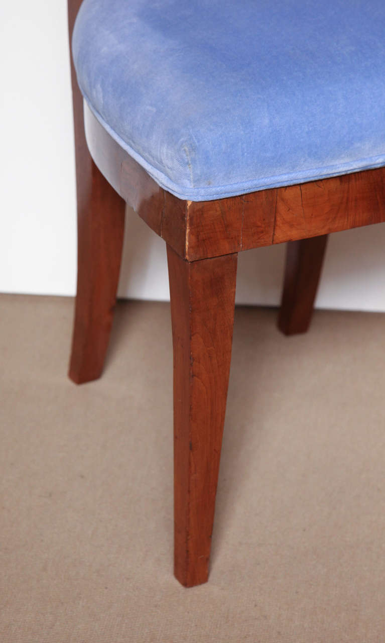 Early 19th Century Biedermeier, Walnut Side Chair In Good Condition For Sale In New York, NY