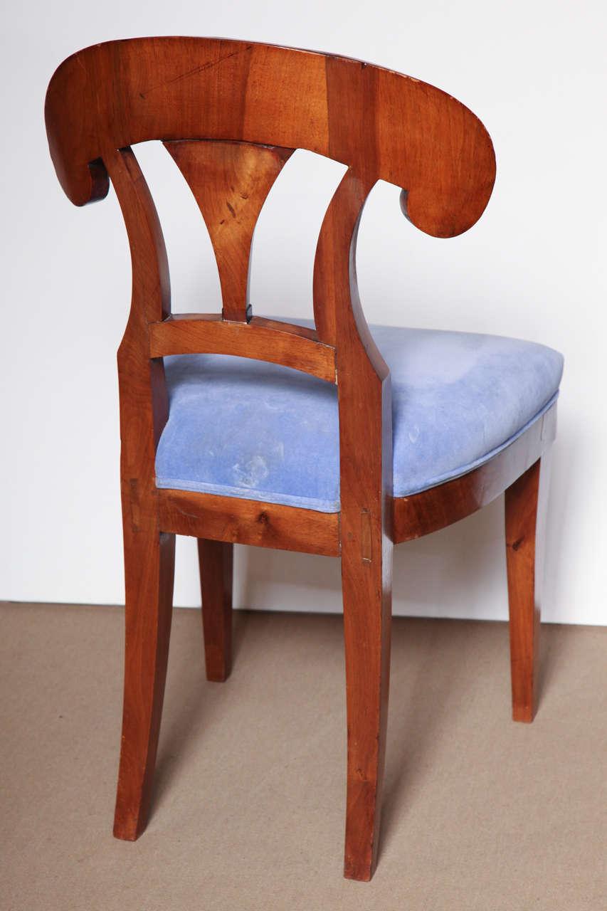 Early 19th Century Biedermeier, Walnut Side Chair For Sale 4