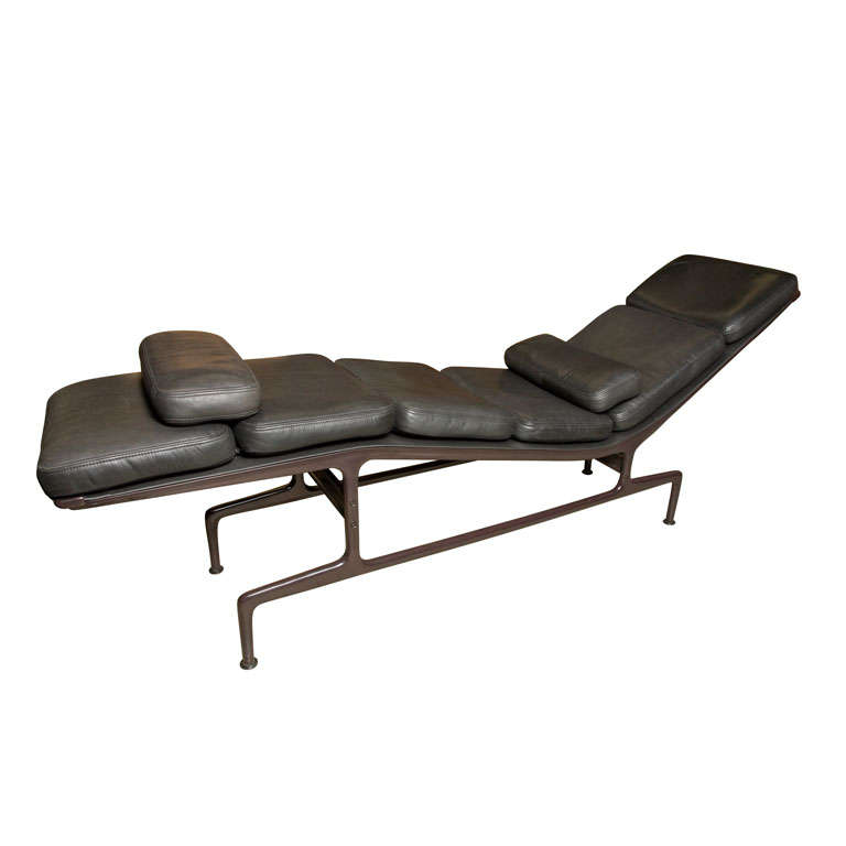 charles and ray eames billy wilder chaise at 1stdibs. Black Bedroom Furniture Sets. Home Design Ideas
