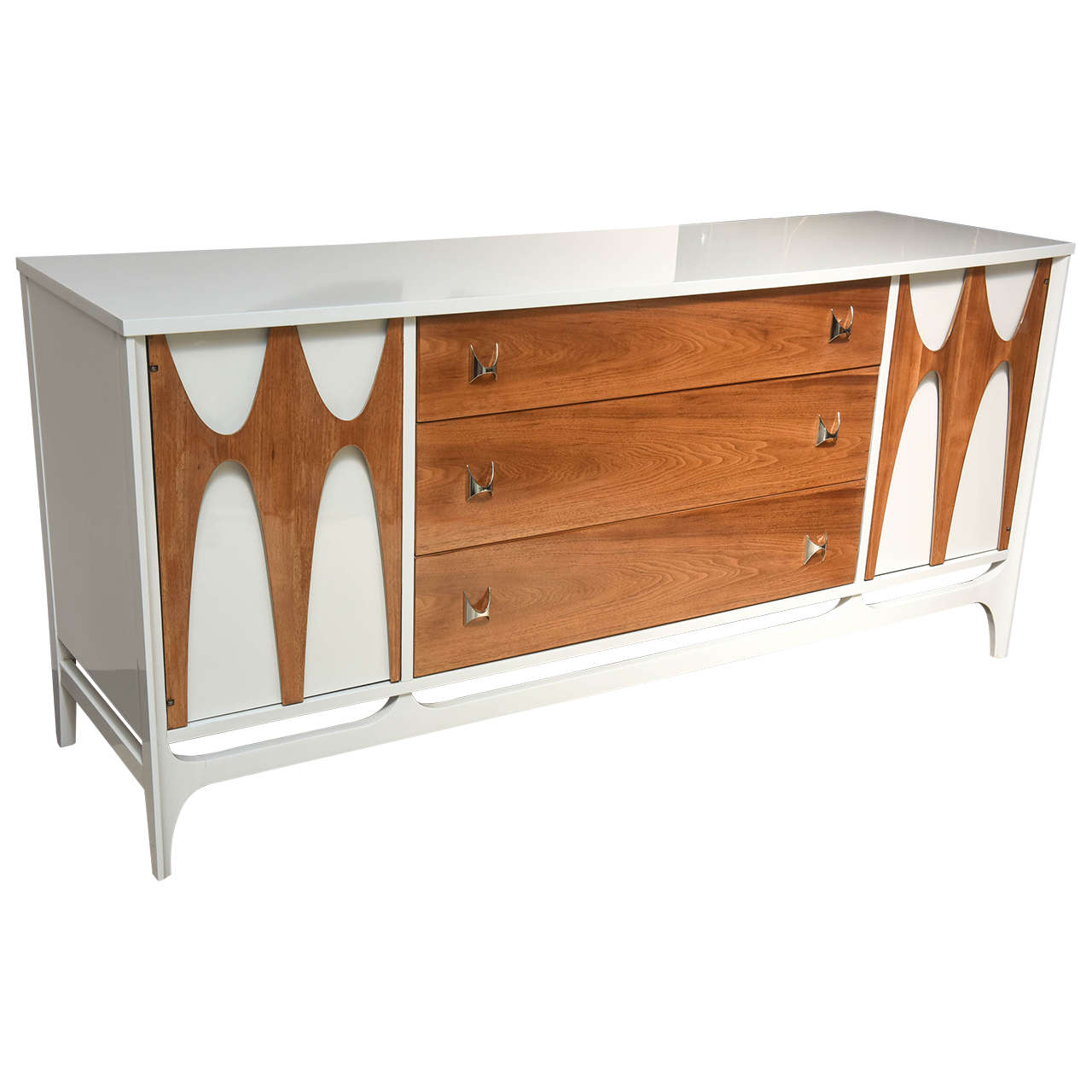 634ffdfe5a78 Mid-Century Modern Broyhill Brasilia Walnut and White Lacquered Credenza  For Sale
