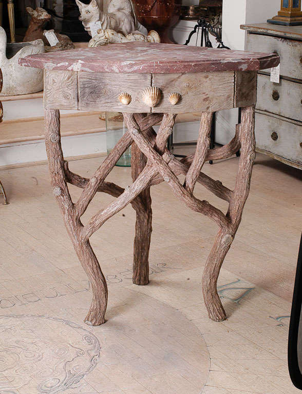 Faux bois corner table at 1stdibs Table jardin imitation bois