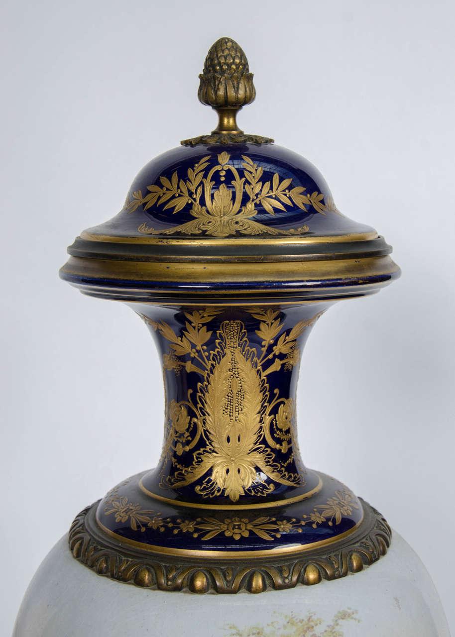 Pair of Antique Sèvres Vases For Sale 1