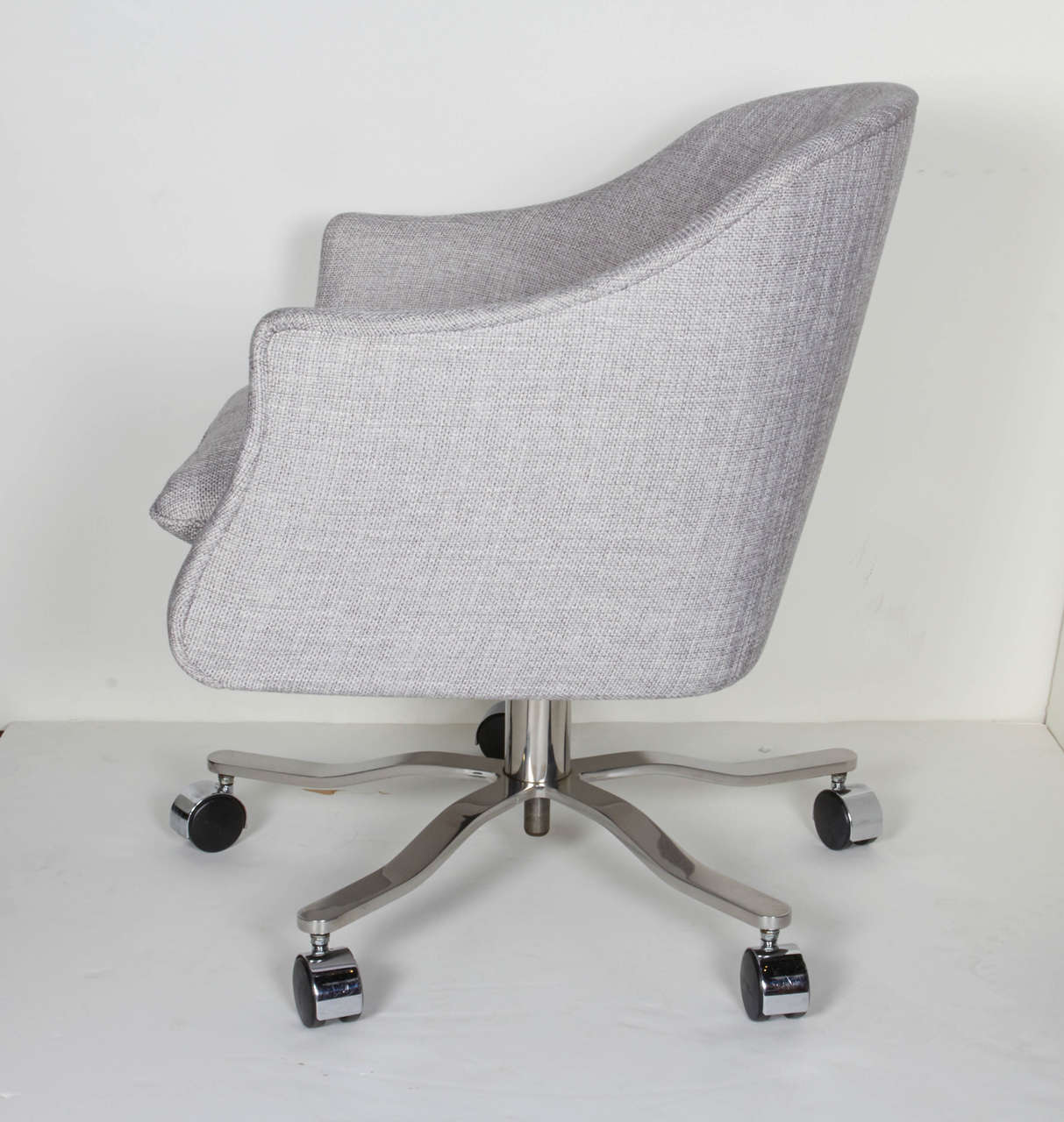 Mid-20th Century Mid-Century Modern Swivel Desk Chair Designed by Ward Bennett For Sale