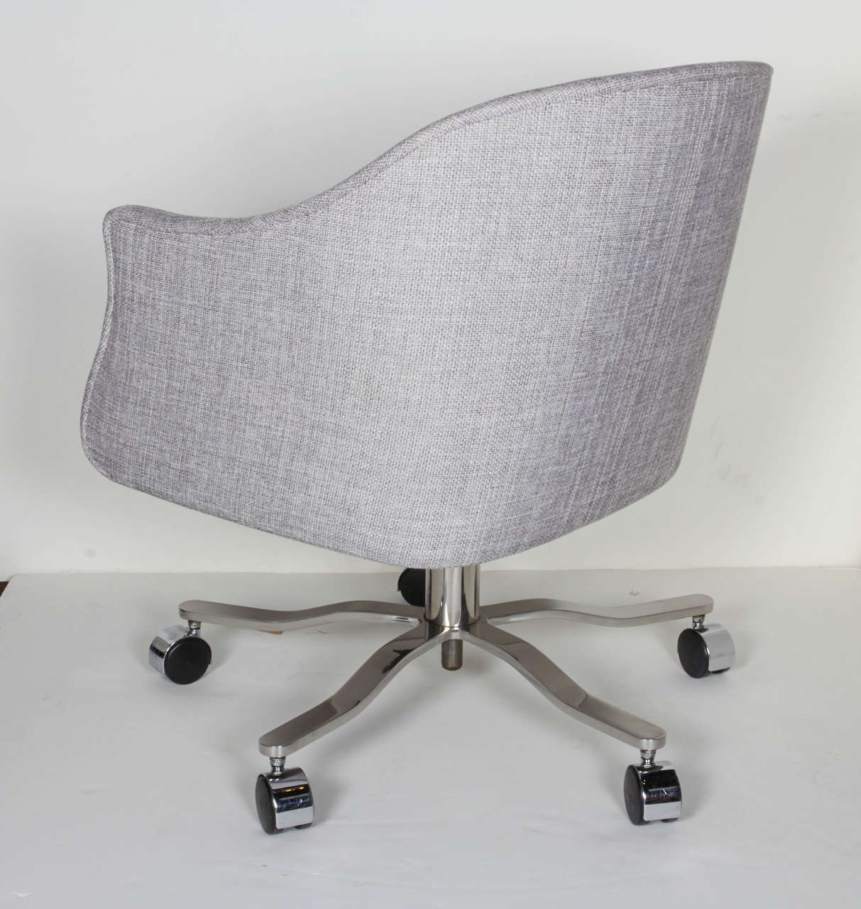 Fabric Mid-Century Modern Swivel Desk Chair Designed by Ward Bennett For Sale