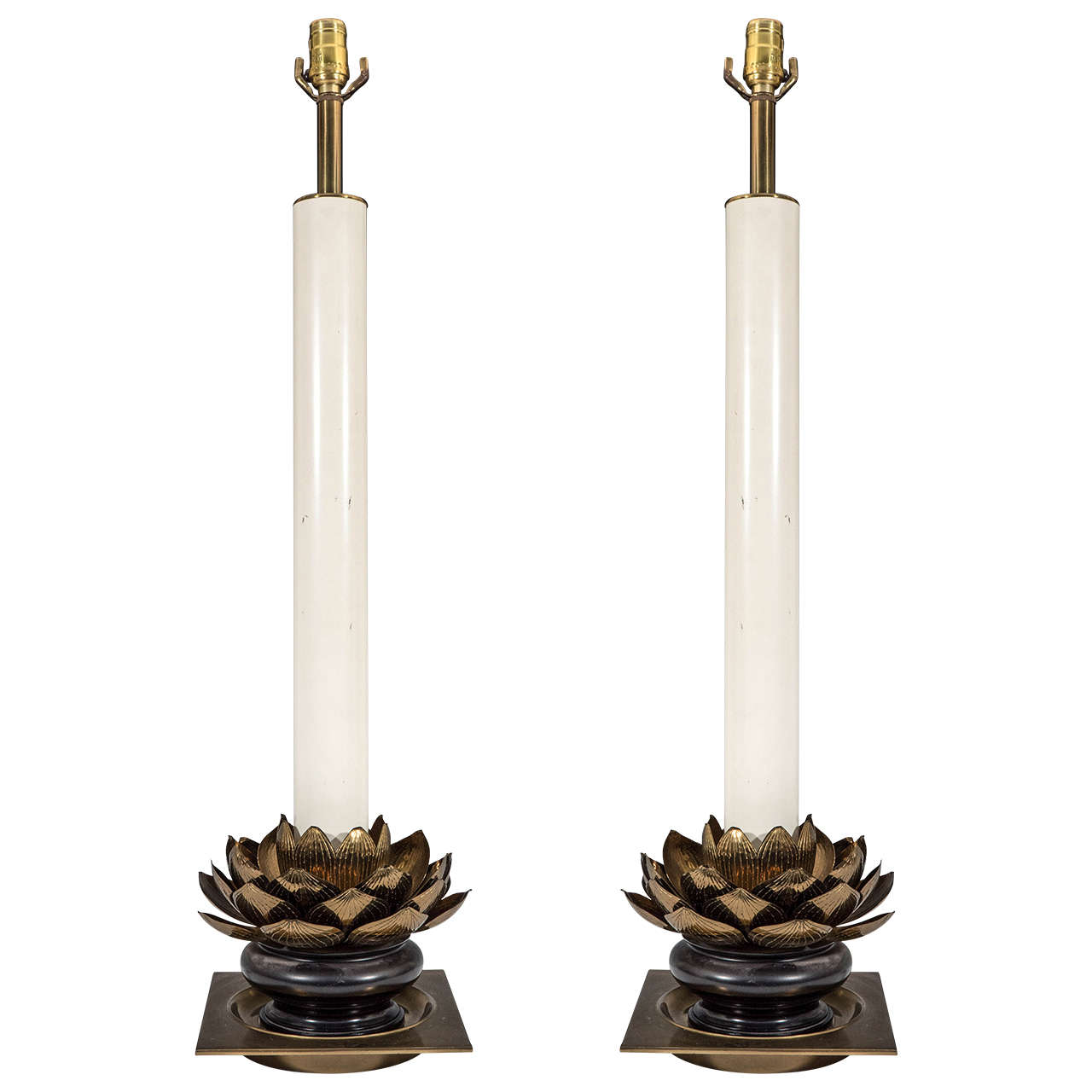 A Midcentury Pair of Lotus Base Lamps in the Style of Tommaso Barbi