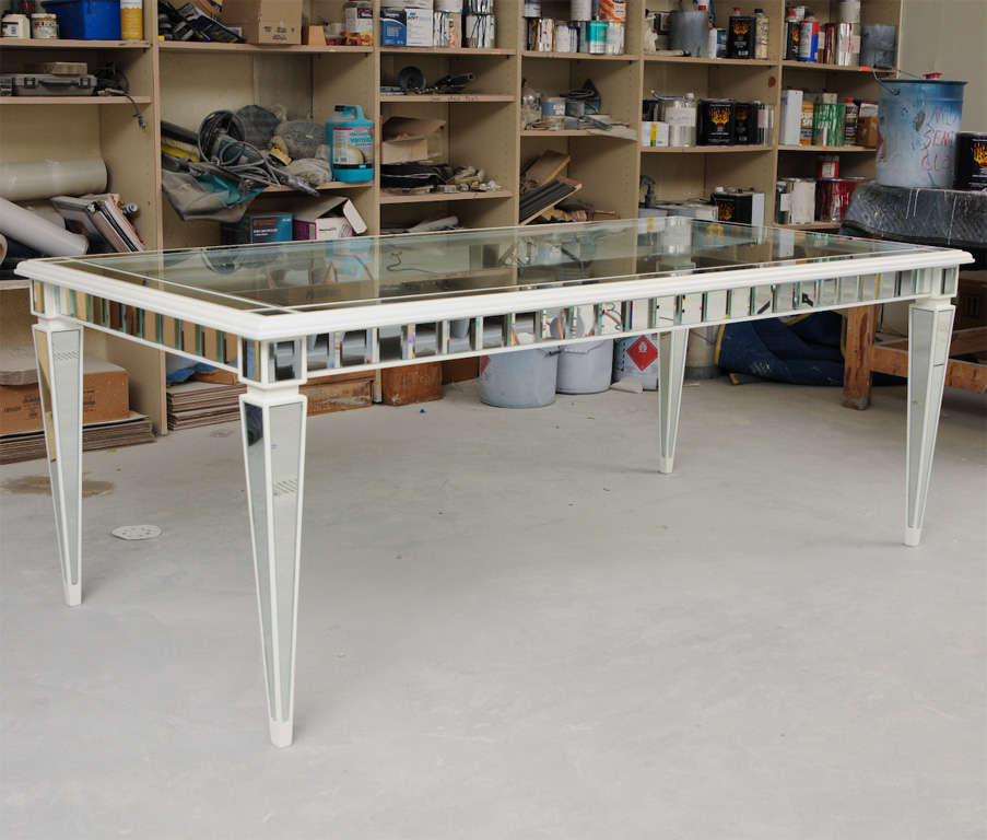 Dining Mirror Table In Excellent Condition For Sale In West Palm Beach, FL