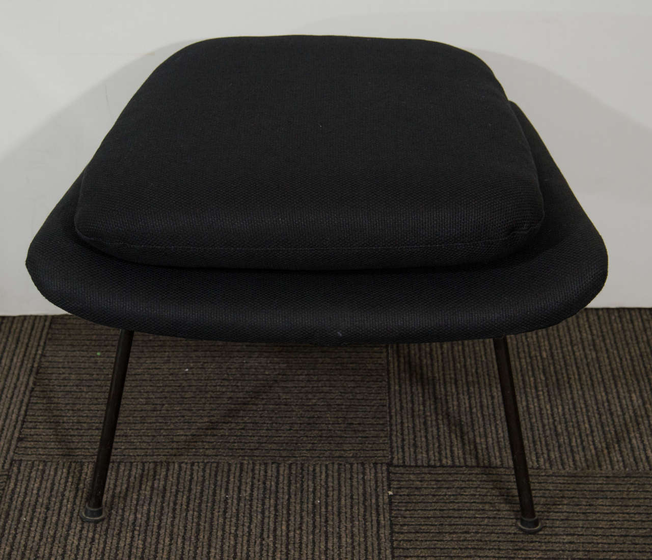 Midcentury womb chair and ottoman by eero saarinen for knoll at 1stdibs - Vintage womb chair for sale ...