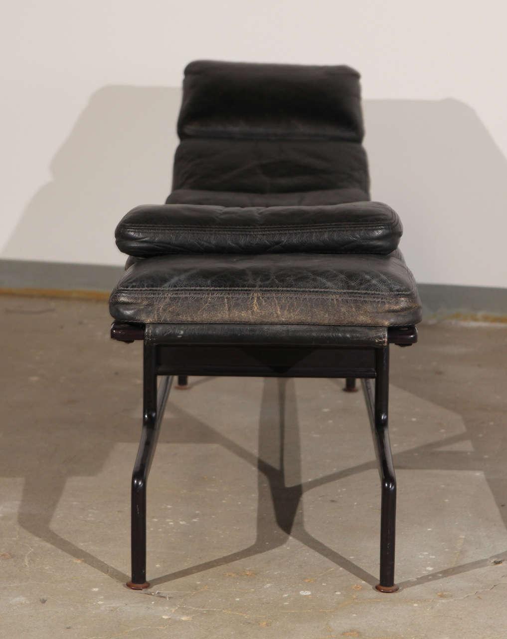 es 106 eames chaise lounge at 1stdibs. Black Bedroom Furniture Sets. Home Design Ideas