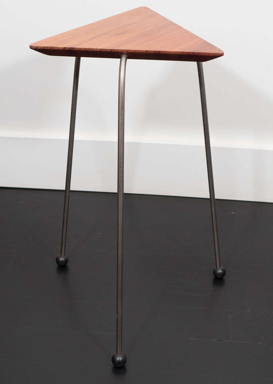 Pair of Mahogany Tripod Tables For Sale 1