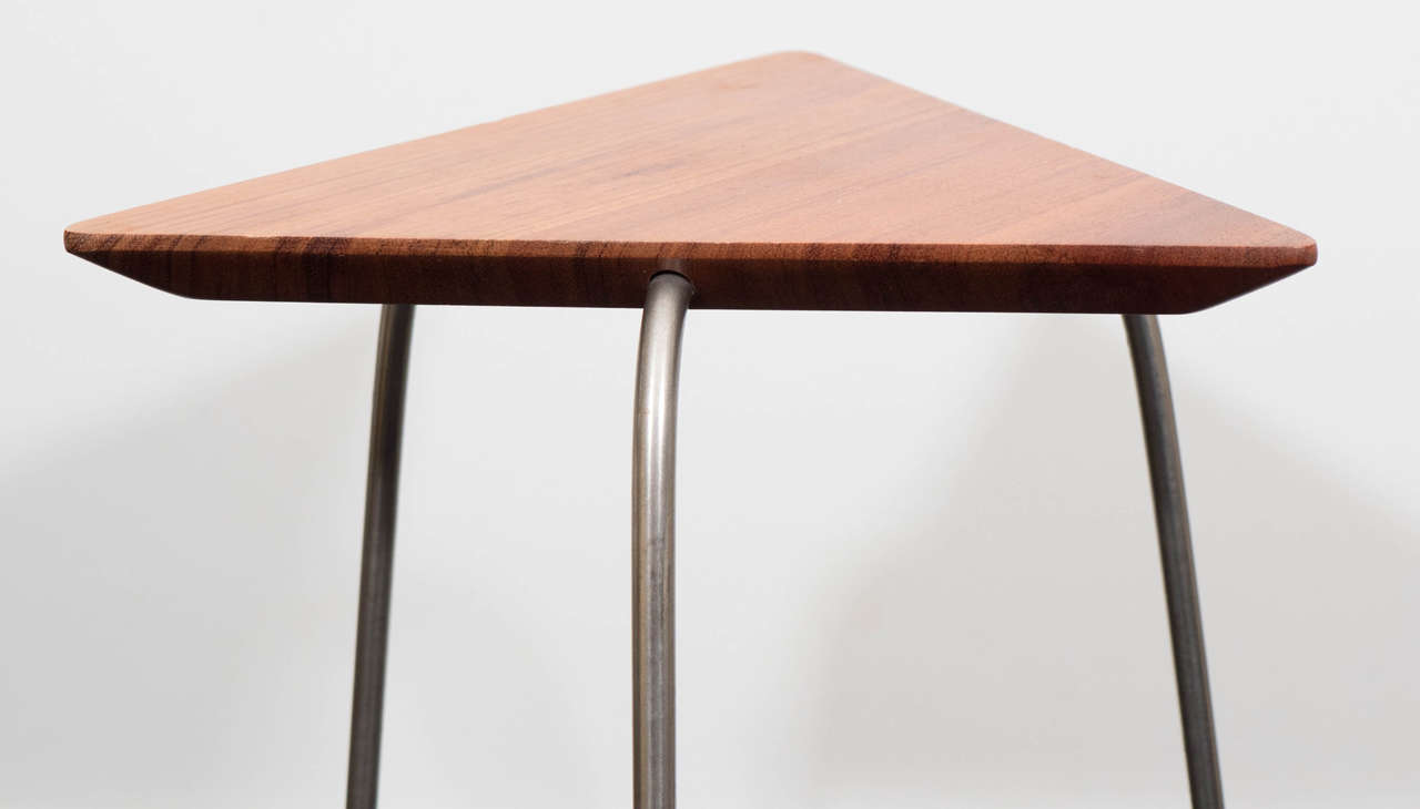 Pair of Mahogany Tripod Tables For Sale 2