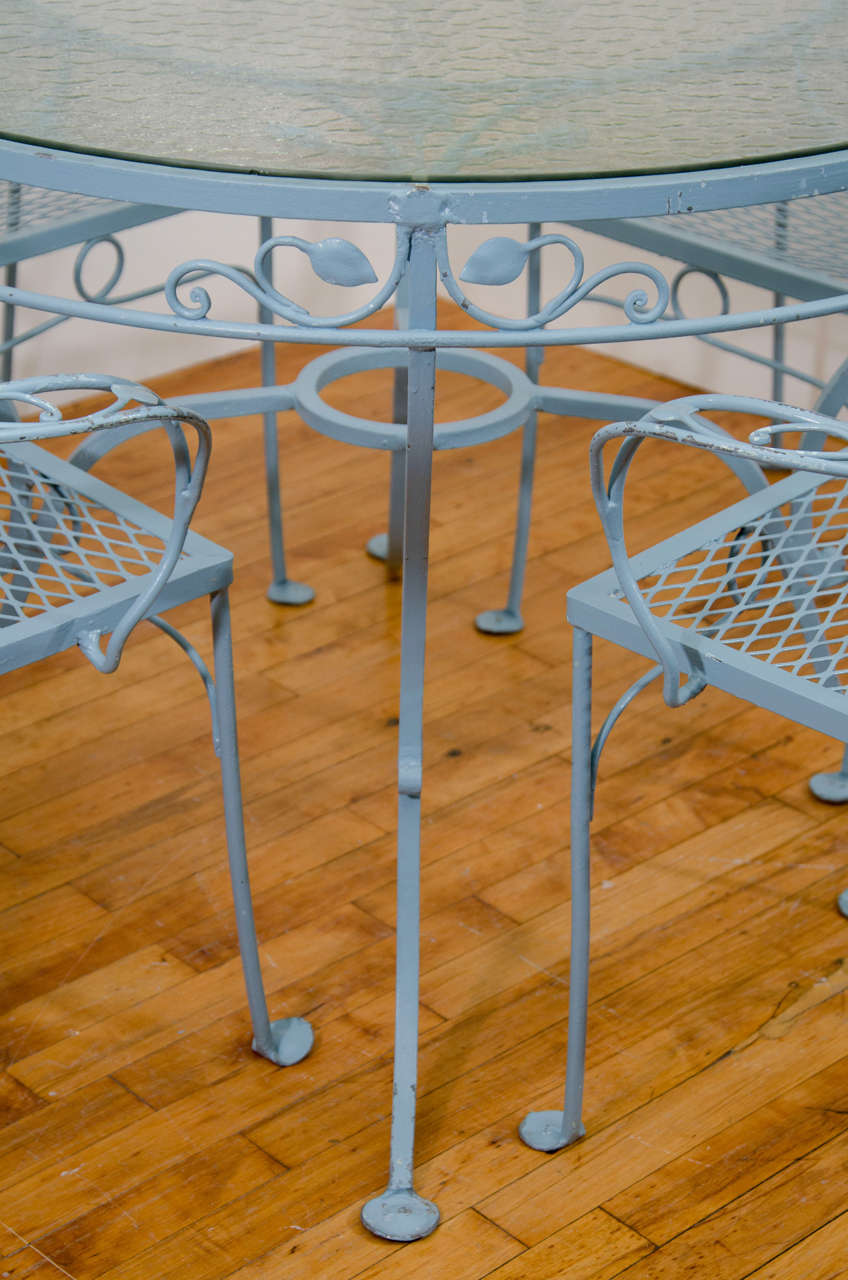 Vintage Salterini Wrought Iron Table and Chairs in Powder Blue In Good Condition For Sale In New York, NY