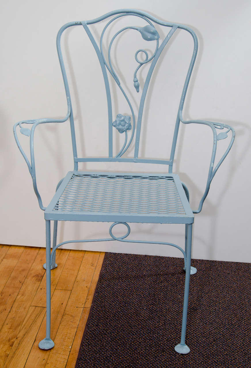 Vintage Salterini Wrought Iron Table and Chairs in Powder Blue For Sale 1