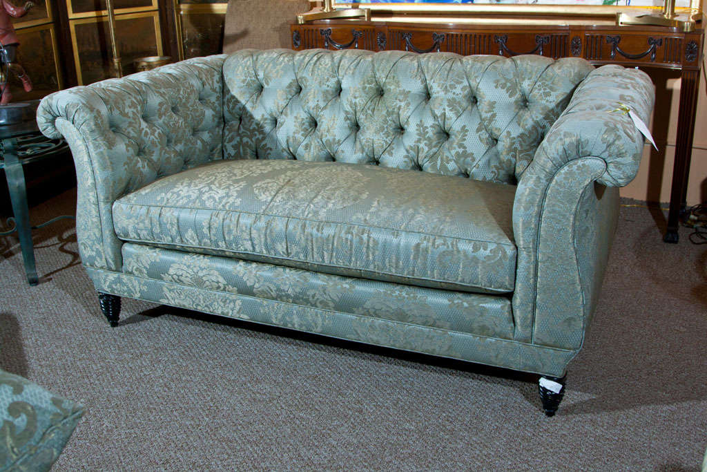 Tufted Loveseat Image Of Antique Red Velvet Tufted  : B from homedesignimage.net size 1024 x 683 jpeg 136kB