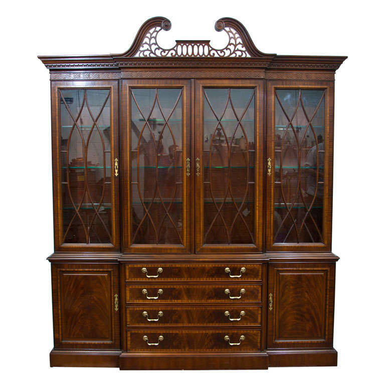 English Georgian Style Mahogany Breakfront By Drexel At 1stdibs